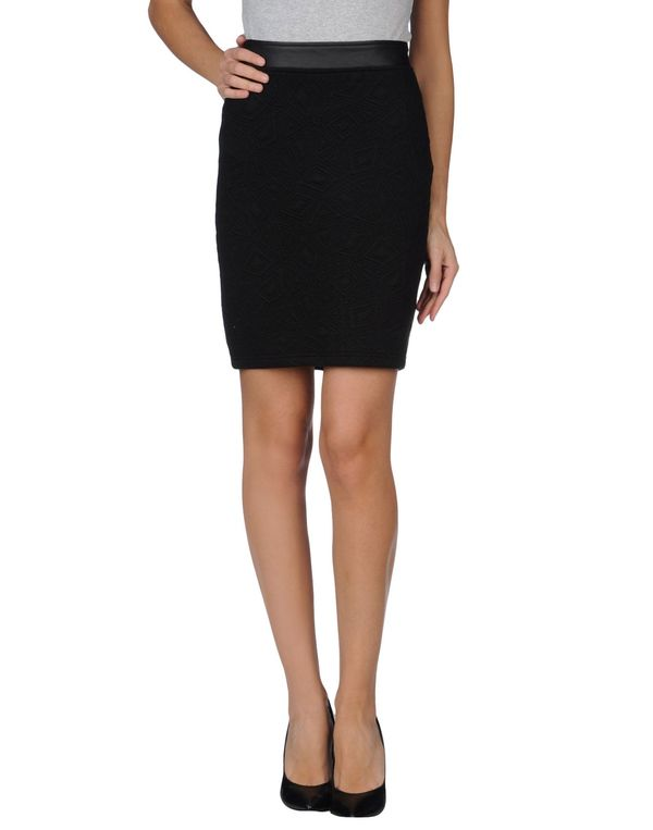 黑色 ONLY 及膝半裙