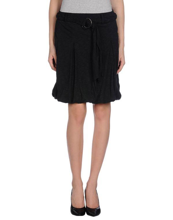 黑色 WESC 及膝半裙