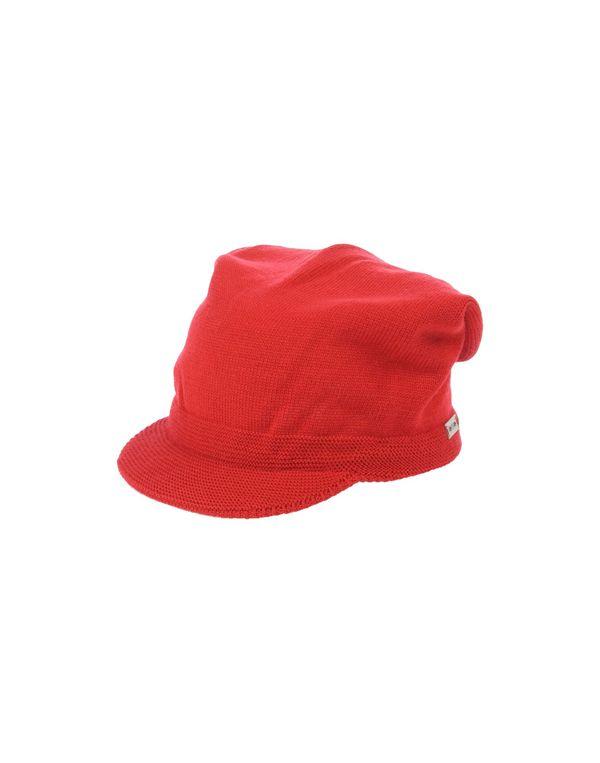 红色 WHO*S WHO 帽子