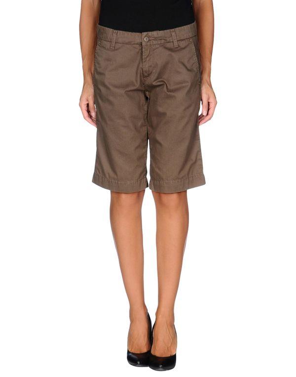 深棕色 CARHARTT 百慕达短裤