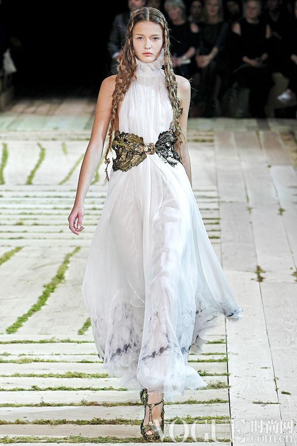 Alexander McQueen2011春夏时装秀