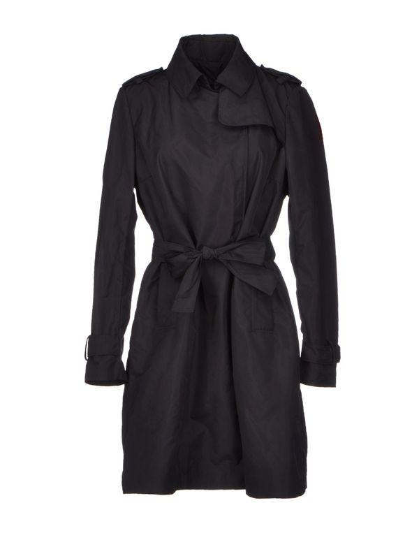 黑色 MONCLER 外套