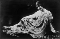 30张时装旧照讲述丝巾黄金年代