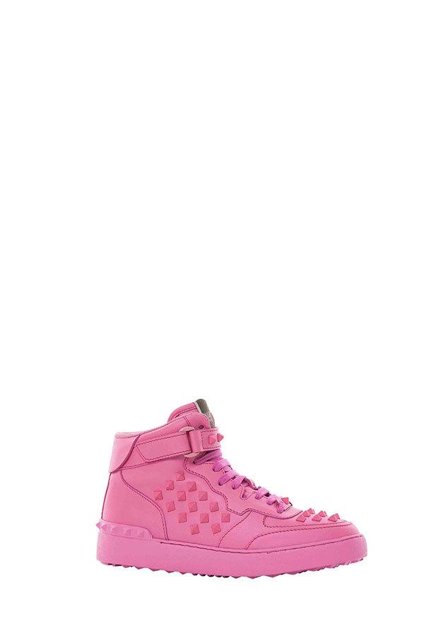 VALENTINO 发布特别设计限量版女装Rockstud配饰系列