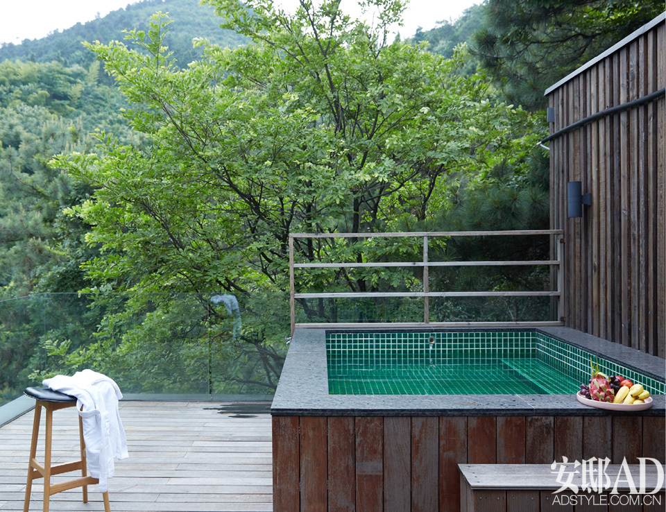清凉爽一夏 | 穿过茶园,爬上树屋,泡着温泉数星星
