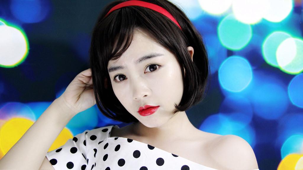 【面面彩妆】夏日幻彩底妆 唇膏才是秘密武器