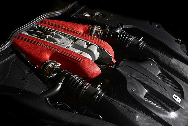 兰博基尼Aventador LP 750-4 SV  似乎一直以来,兰博基尼都对赛道刷圈不是很感冒。兰博基尼旗下各类车型的赛道圈速成绩也都只是处于同级中的中游水准,这不禁让部分车迷对这头桀骜不驯的牛的赛道能力产生质疑。不过,当兰博基尼Aventador LP 750-4 SV在纽北刷出了6分59秒73的成绩后,全世界车迷都沸腾了。  这是继保时捷918之后,第二辆在纽北跑进7分钟的合法公路量产跑车(Radical车型只为刷圈存在,不具有参考性)。兰博基尼Aventador LP 750-4 SV自然是基于