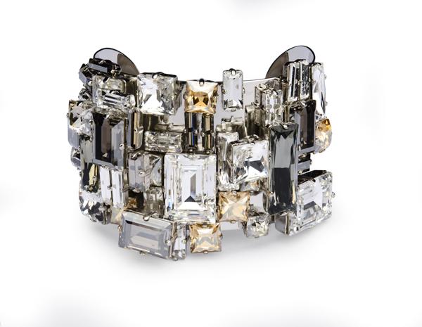 25f568492086 Philippe Ferrandis 与Atelier Swarovski合作推出2015年秋冬Manhattan主题胶囊珍藏系列