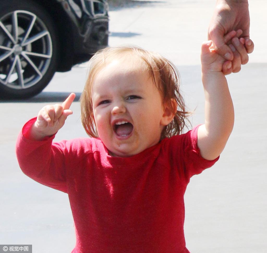 年仅两岁的社交名媛?这个身价23亿的女孩比小七还萌!