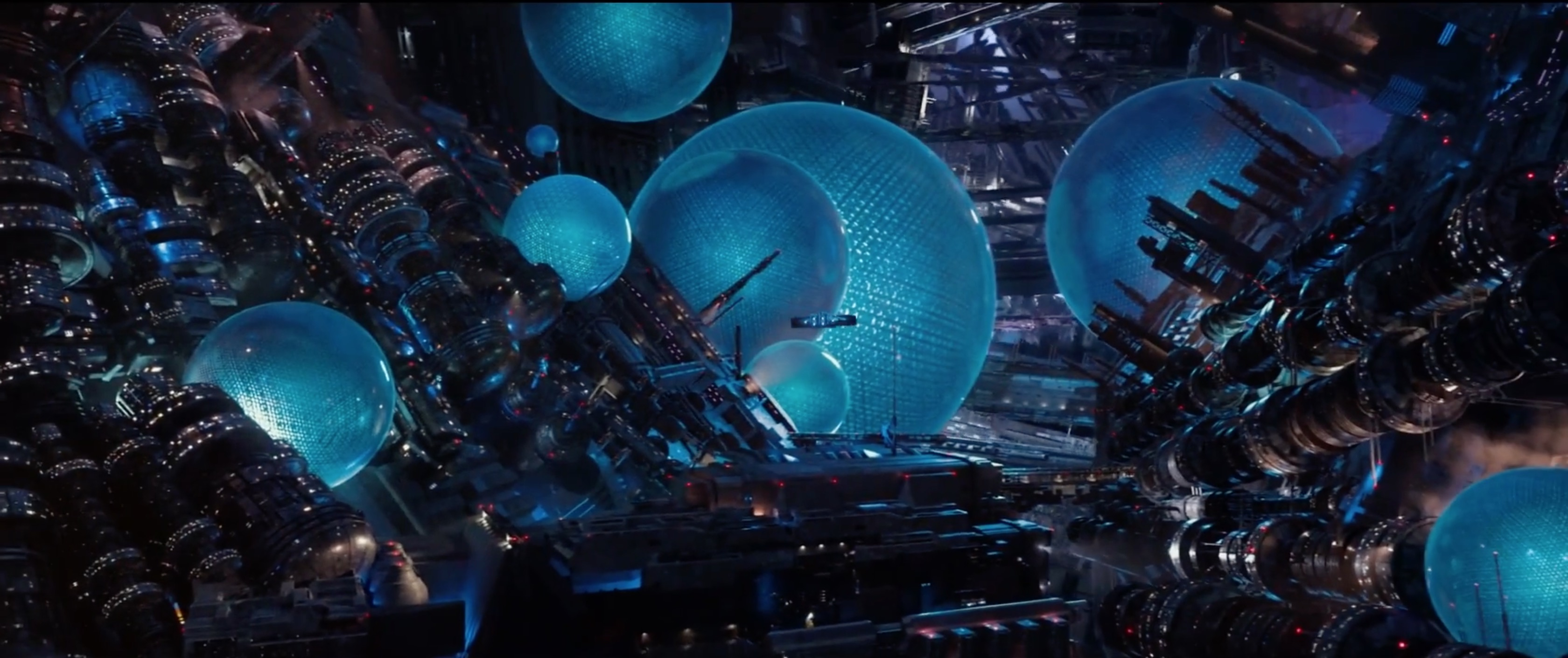 从这次电影的名字《星际特工:千星之城》可以看出,其实大导是有计划