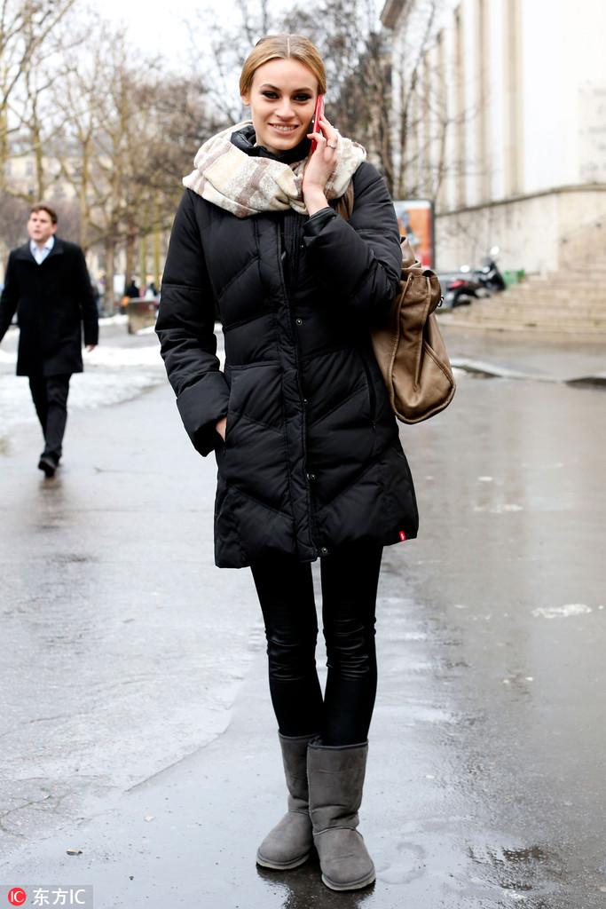"""短靴时有读者留言说""""年轻不懂事时买的雪地靴是不是可以烧掉了"""