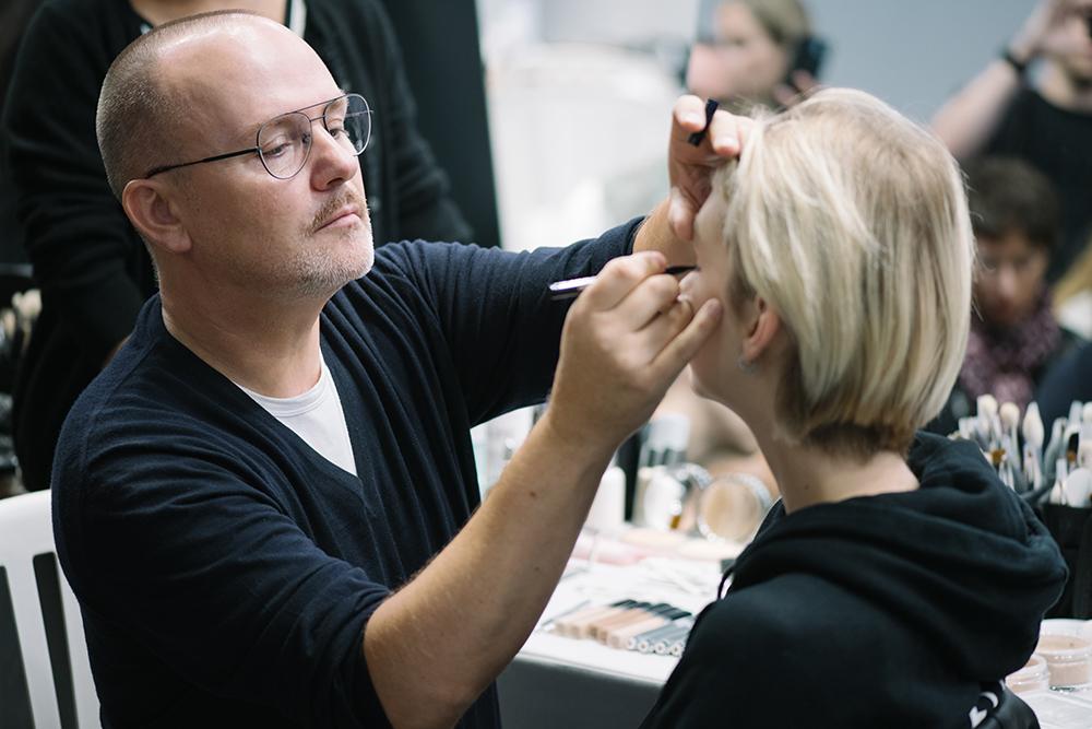 时尚界最受青睐的化妆师推荐——34种全球最佳美容产品