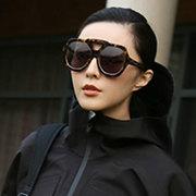 范冰冰身着Alexander Wang x H&M系列演绎潮流运动风