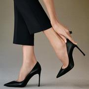 Dior推出全新Dioressence细跟高跟鞋