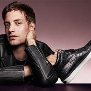 JIMMY CHOO揭晓JAMES JAGGER为2016秋冬男士系列广告模特儿打造型格男「鞋」