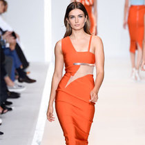 Andreea Diaconu 2015春夏时装周图集