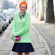 彩色针织帽装点寒冷冬日