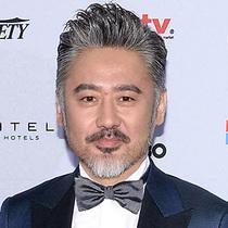 吴秀波身着杰尼亚高级手工系列出席第42届国际艾美奖