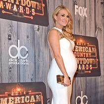 凯莉·安德伍德(Carrie Underwood)的孕期时尚