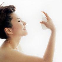 喷一喷 干燥季为肌肤保湿加餐