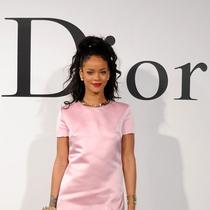 """新晋迪奥女郎Rihanna 出镜""""秘密花园"""""""