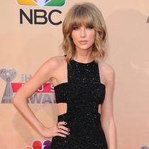 Taylor Swift与Calvin Harris甜蜜恋爱中?