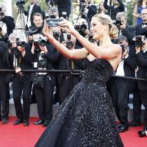 戛纳电影节禁止明星红毯自拍?