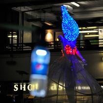 """百事可乐®首度全球 'IGNITE THE LIGHT' 艺术展览 百事可乐 x LITER OF LIGHT """"IGNITE THE LIGHT"""" 之旅"""