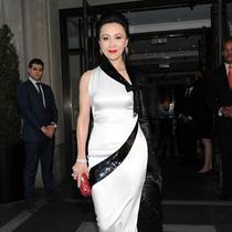 刘嘉玲佩戴宝格丽现身纽约大都市艺术博物馆慈善舞会