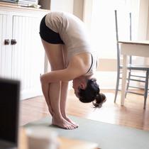 最棒的睡前瑜伽让你睡得更好