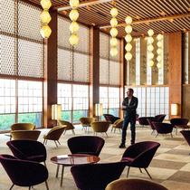 BOTTEGA VENETA向现代主义建筑合作的典范致敬