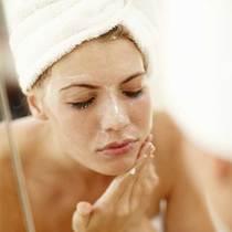 错误的护肤方式可能让你长粉刺