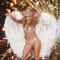 杜晨·科洛斯:天使飞向新机遇