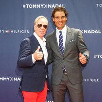 TOMMY HILFIGER启动 拉菲尔•纳达尔的全球品牌大使形象 在纽约举办性感的反转网球赛
