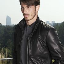 倍耐力设计(Pirelli Design)和兰博基尼Collezione 合作发布联名时装精选系列