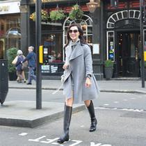 陈数身着V·GRASS亮相伦敦时装周 展知性女人味
