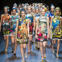 Dolce & Gabbana – 爱上自拍