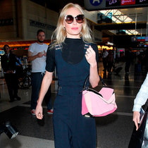Kate Bosworth使用罗意威Puzzle渐变粉色手袋