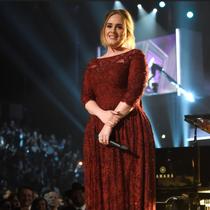 Adele与The Weeknd身着纪梵希出席第58届格莱美音乐奖颁奖典礼