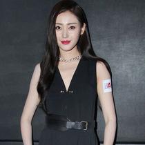 张天爱佩戴POMELLATO珠宝 亮相香港国际电影节 为新片《鲛珠传》宣传