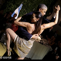 不止是奥巴马会跳舞,这些政要大咖的舞技绝不是盖的