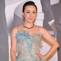 刘嘉玲、薛凯琪佩戴海瑞温斯顿高级珠宝 璨耀第35届香港电影金像奖红毯