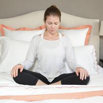 睡前的床上瑜伽,让你拥有更好的睡眠-瘦身