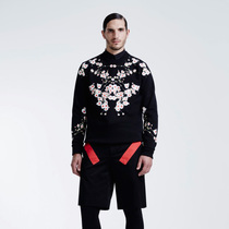 纪梵希全新推出精选系列 GIVENCHY ESSENTIALS BY RICCARDO TISCI