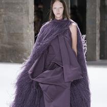 #Suzy巴黎时装周 Rick Owens:沉浸在色彩中