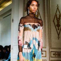 #Suzy巴黎时装周:Valentino的人间乐园