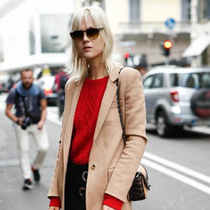 时尚达人们给你示范秋冬趋势——今秋该穿这样的暖色系