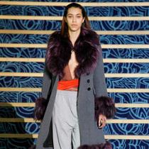Suzy巴黎时装周:千禧世代的巴黎风情画