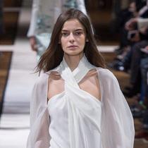 #Suzy巴黎时装周:Lanvin俏丽转身