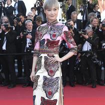 众星穿着Gucci出席戛纳红毯,及开云集团#跃动她影晚宴